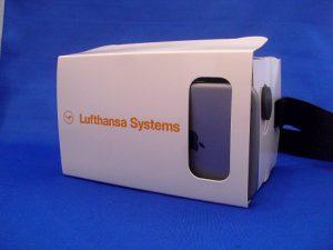 3D Cardboard Brille im Lufthansa logo